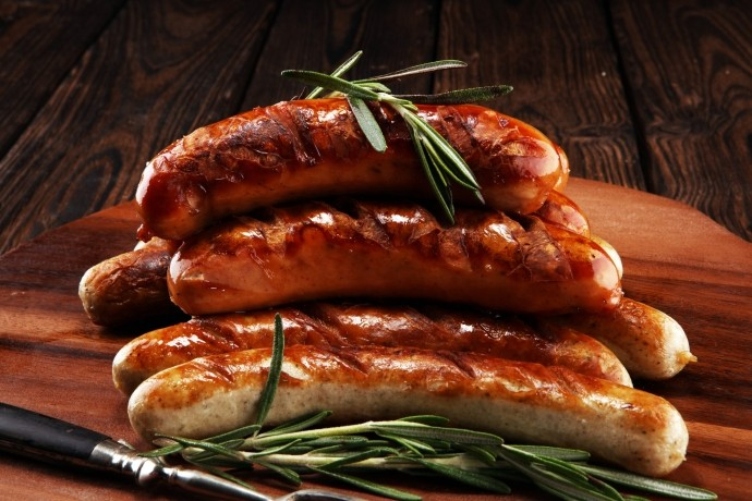 farmhouse-sausages-cooked